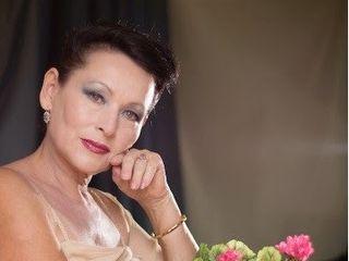 Галина Гроссман с цветами